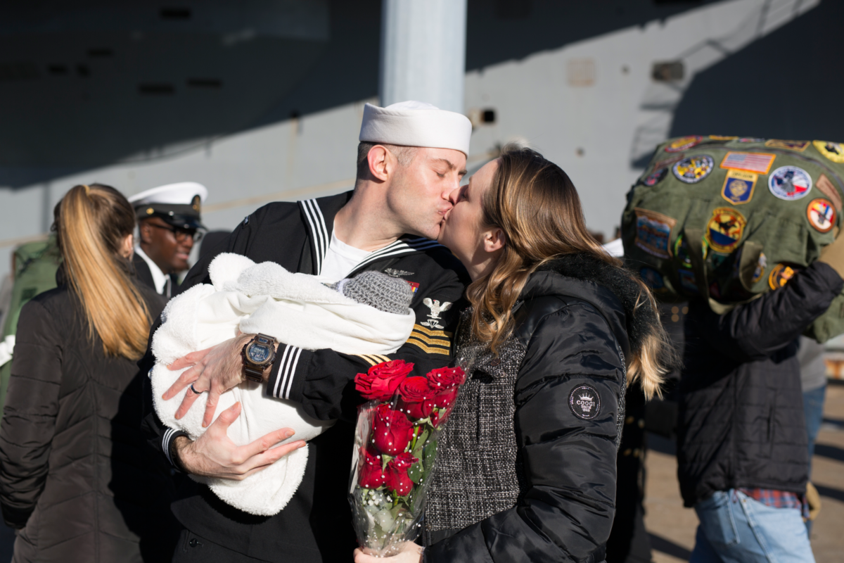 military-homecoming-photographer-in-virginia-beach