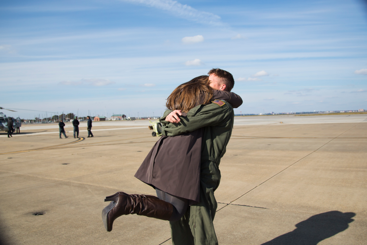 navy-homecoming-photographer-in-virginia-beach